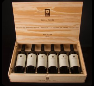 Wood Gift Box with LAWC Logo Six Bottle